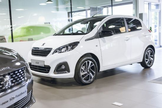 Peugeot 108 ALLURE *DELIVERY MILEAGE*