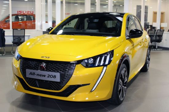 Peugeot 208 BHDI 100 GT Line ** Save £3800 on RRP**