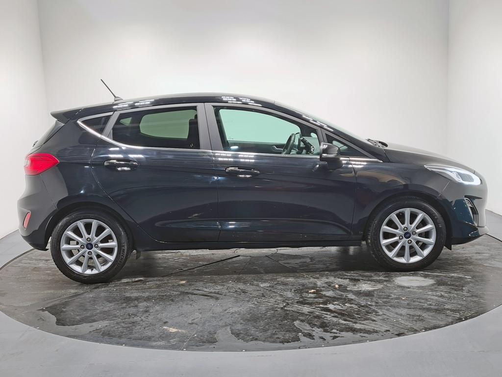 2018 Ford Fiesta Petrol Manual – Hallidays of Bushmills full