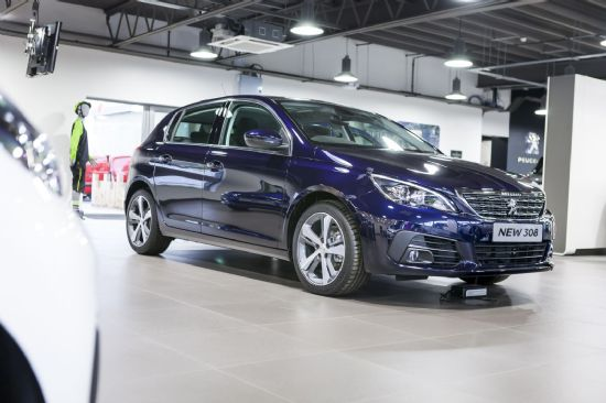 Peugeot 308 ALLURE BLUEHDI S/S *SAVE OVER £8,000 off RRP*