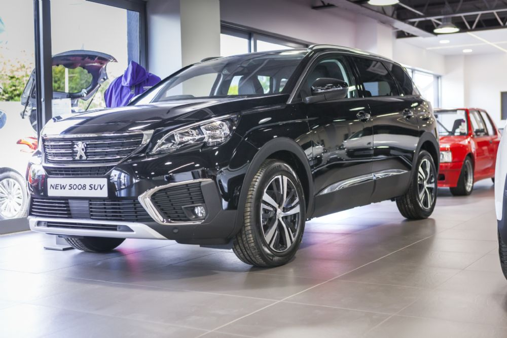 BRAND NEW 5008 SUV Allure BHDi 130 - From £379 Per Month!